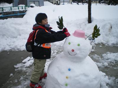 今朝の雪だるま