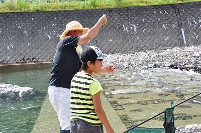 にじます釣り大会