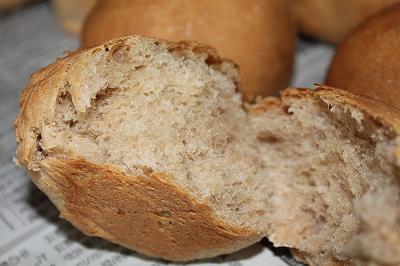 焼きたてテーブルパン